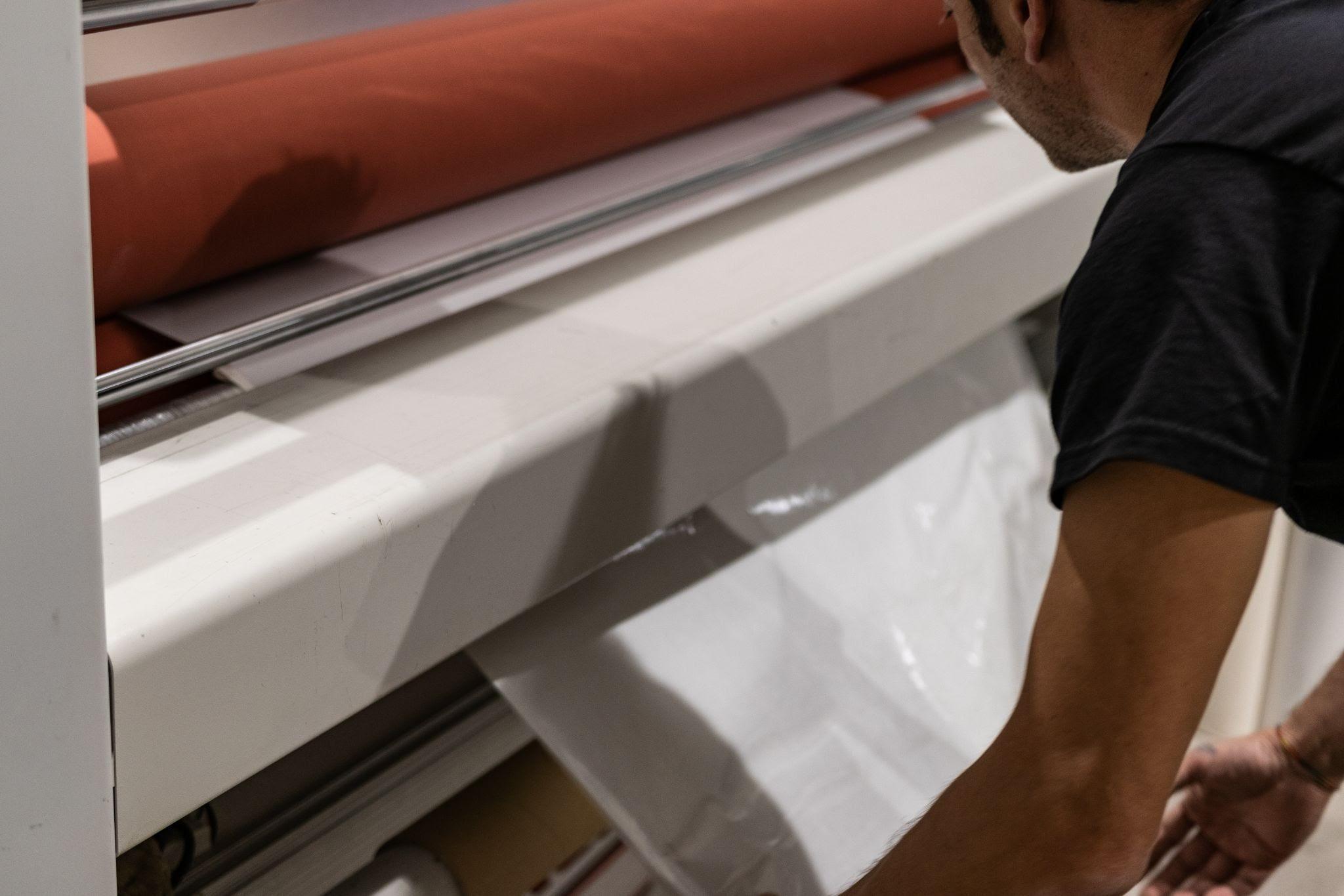 LA-160W heat-assisted laminator